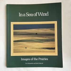 3/$25 In A Sea of Wind Images of Prairies book